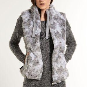 NWT Superdry Antarctic Faux Fur Quilted  Gray Vest